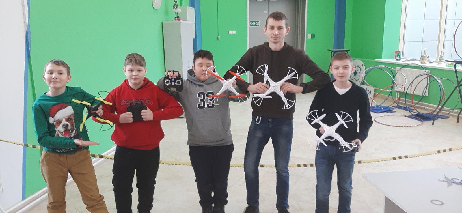 С 9 по 11 января в детском технопарке «Кванториум «Хакасия» проходят Инженерные каникулы в рамках Всероссийской Недели науки и техники для детей и юношества
