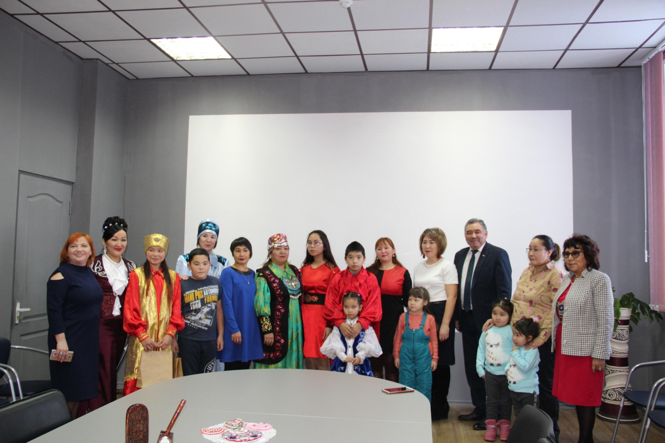 В Республиканском центре дополнительного образования прошло торжественное мероприятия «Язык моих предков не должен угаснуть»