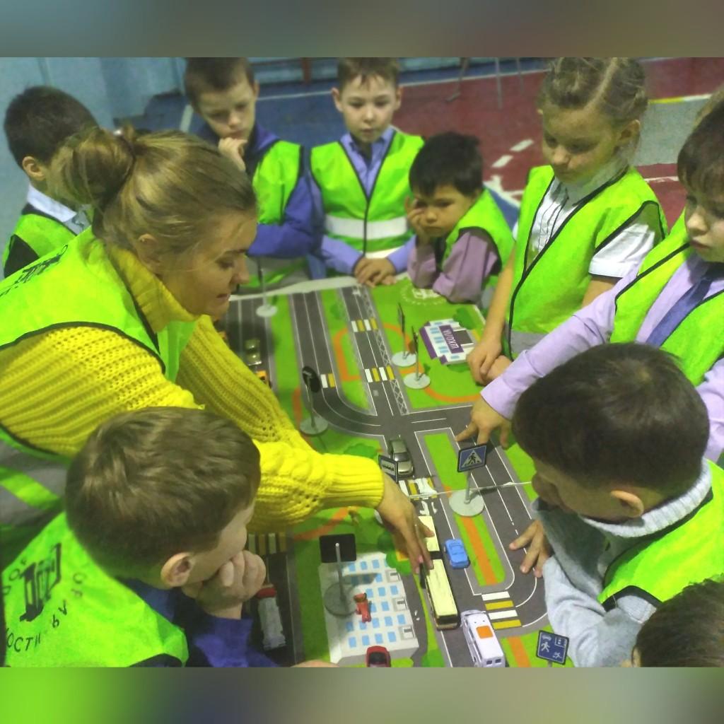 Прошли занятия в г. Черногорск с использованием мобильного комплекса «Лаборатория безопасности».