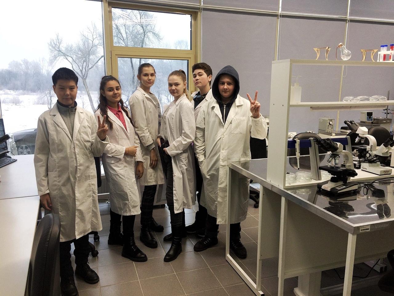 7 юных биологов из Хакасии стали победителями Всероссийского конкурса «ЮниКвант»