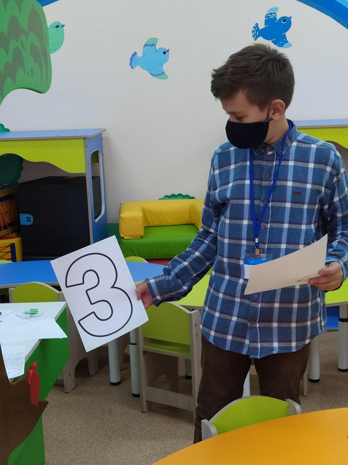 В Абакане школьники примерили к себе профессию воспитателя в рамках проекта «Билет в будущее»