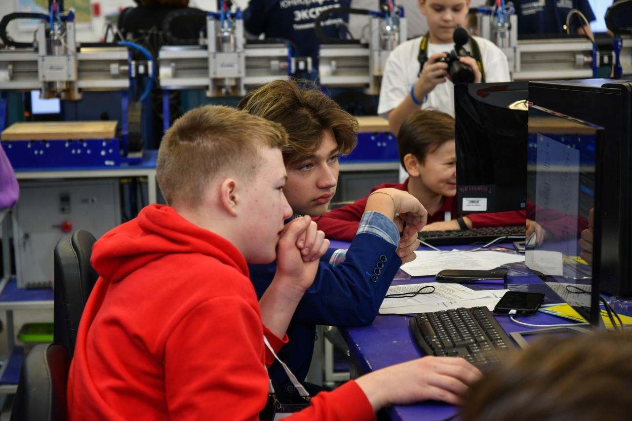 Газпром и Минпросвещения РФ открывают онлайн-лагерь для подготовки будущих инженеров