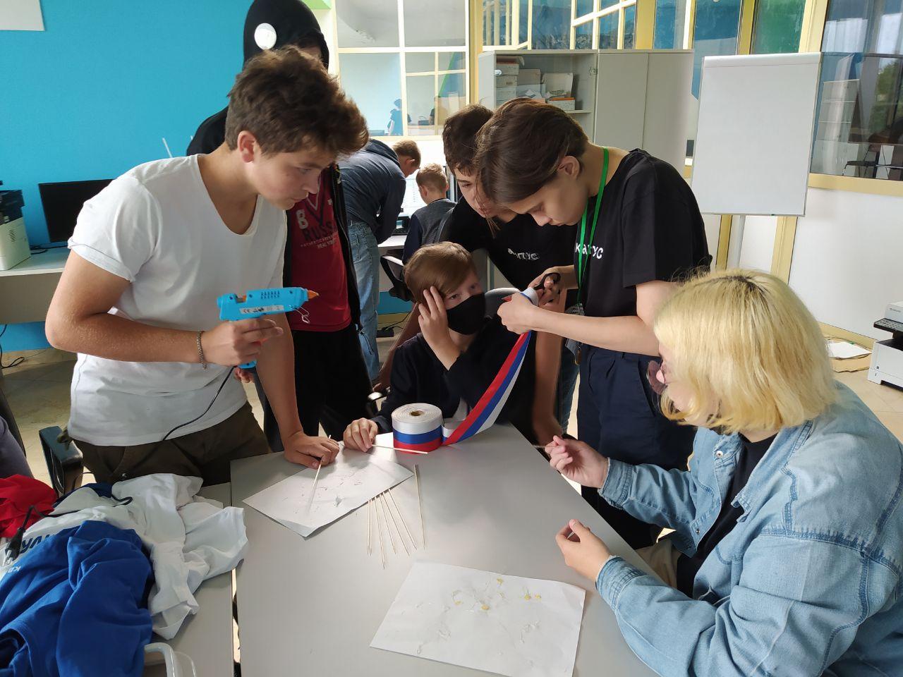 Резиденты Сберкампуса отметили День Государственного флага РФ